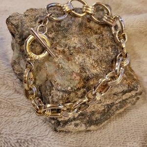 Jewelry - Silver tone bracelet